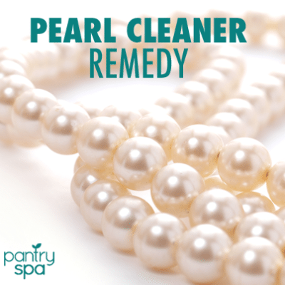 How to Clean Pearls with Mineral Oil